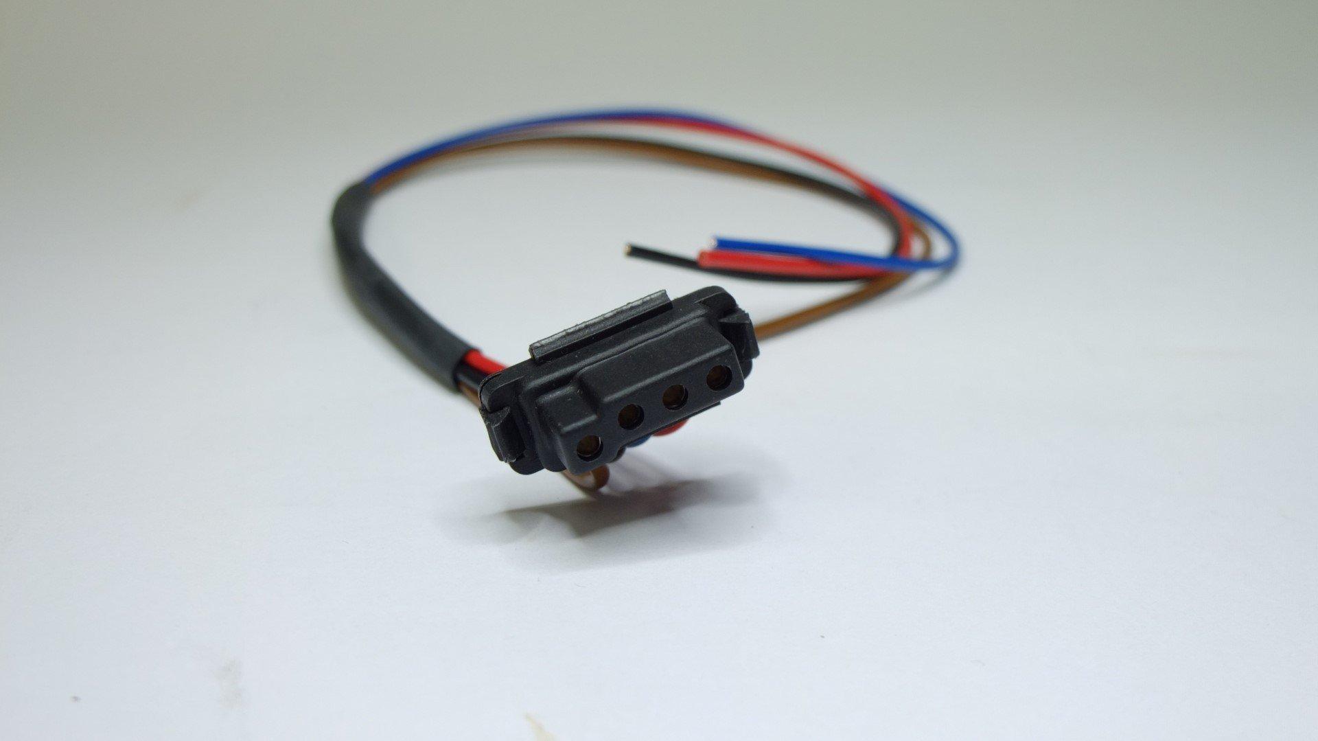 Becker Autoradio Anschlussstecker mit Kabel
